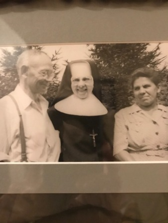 SisterAudrey 1940s with Mom and Dad