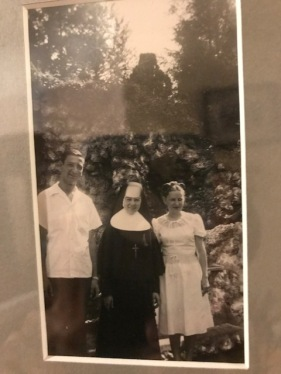SisterAudrey 1940s with Phenie and Deb